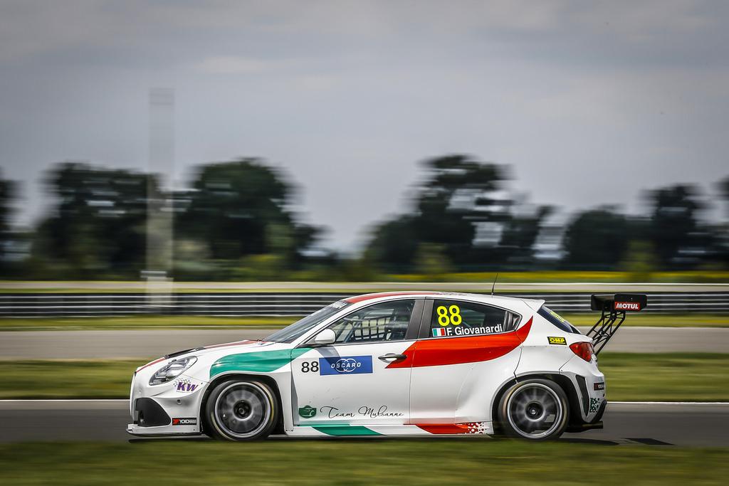 WTCR | Giovanardi lascia il team Ferraris, al suo posto Luigi Ferrara
