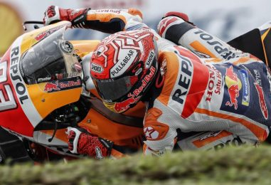MotoGP | GP Malesia: Rossi cade mentre è al comando, vince Márquez a Sepang