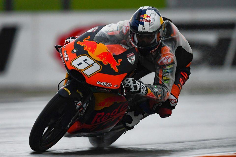 Moto3   GP Valencia: si fa la storia al Ricardo Tormo, Can Oncu vince al debutto