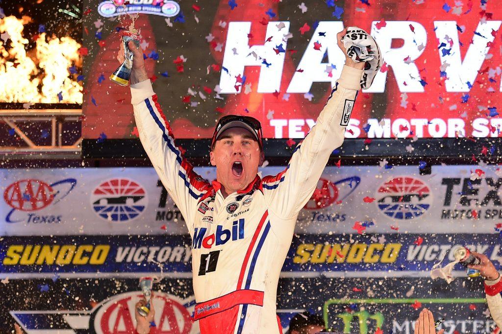 NASCAR | Harvick ritorna alla vittoria in Texas