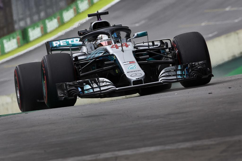 F1 | GP Brasile, qualifiche: Hamilton in Pole davanti a Vettel. L'inglese scampa una penalità