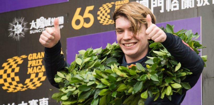 """<span class=""""entry-title-primary"""">GP Macao: Ticktum domina la Formula 3, Farfus si impone tra le GT</span> <span class=""""entry-subtitle"""">Paura per l'incidente di Sophia Flörsch, fortunatamente non in pericolo di vita</span>"""