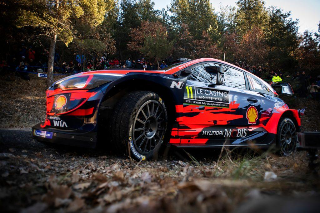 WRC | Montecarlo: Neuville sceglie le gomme giuste e passa al comando