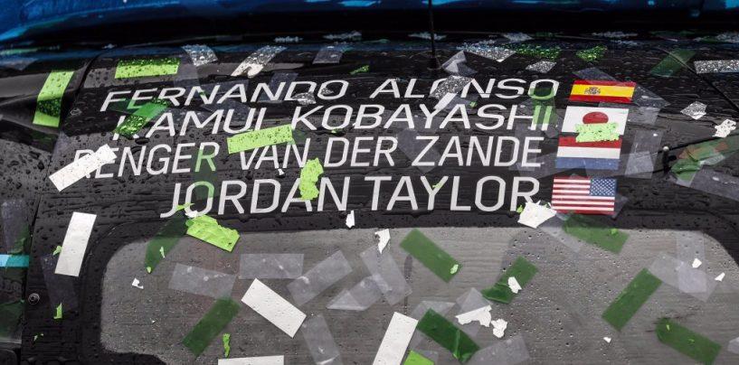 """<span class=""""entry-title-primary"""">La bandiera vale la pena...</span> <span class=""""entry-subtitle"""">La 24 ore di Daytona ed il senso dell'attesa...</span>"""