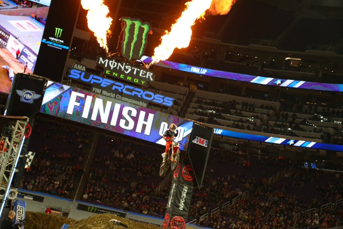 Supercross | Minneapolis: Webb alla terza, Roczen torna leader