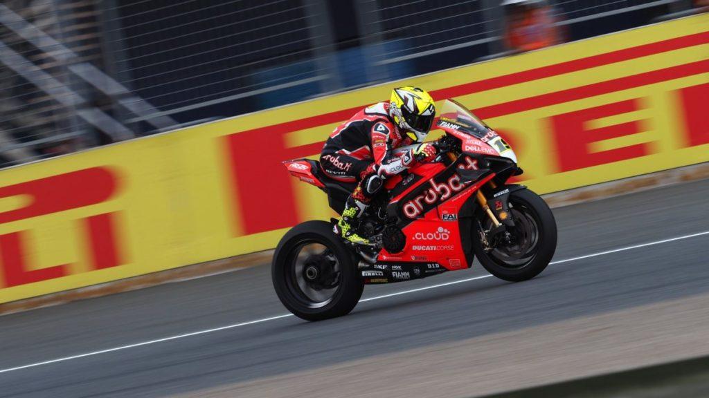 SBK | GP Thailandia: Bautista vince il duello con Rea e riporta Ducati al successo