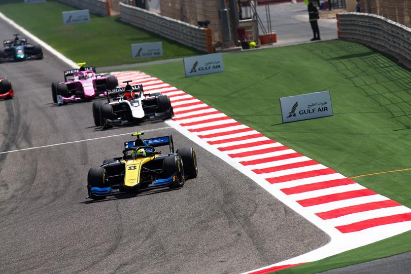 F2 | GP Bahrain: Luca Ghiotto vince la sprint race col pit stop