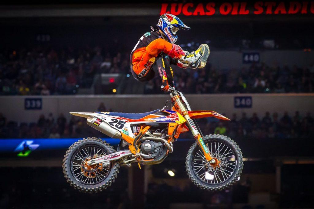 Supercross | Musquin sbanca Indianapolis e accorcia su Webb