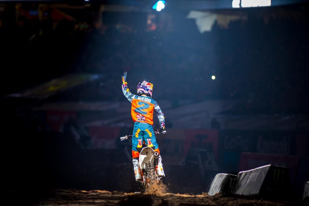Supercross | Webb vince a Houston dopo lo scontro con Musquin