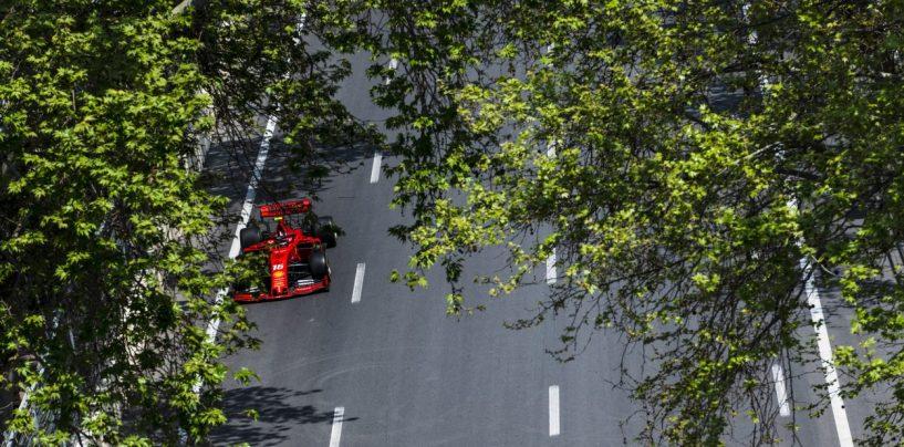 """<span class=""""entry-title-primary"""">F1   GP Azerbaijan, FP2: Leclerc davanti a Vettel ed Hamilton</span> <span class=""""entry-subtitle"""">Le Ferrari comandano la sessione pomeridiana a Baku davanti a Hamilton. Pista sporchissima, due bandiere rosse</span>"""
