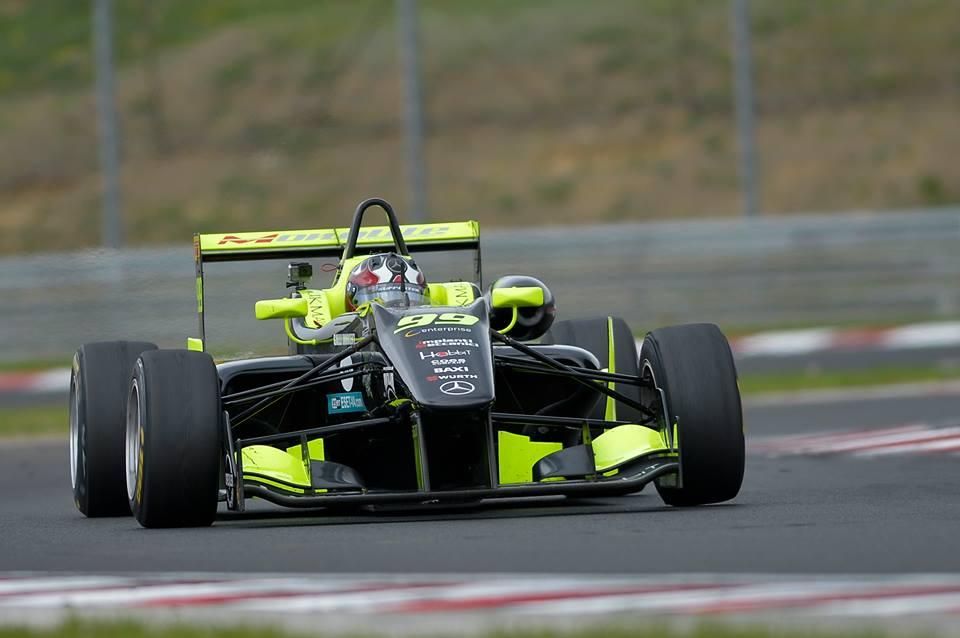Doppio podio nel FIA-CEZ per Andrea Cola a Budapest