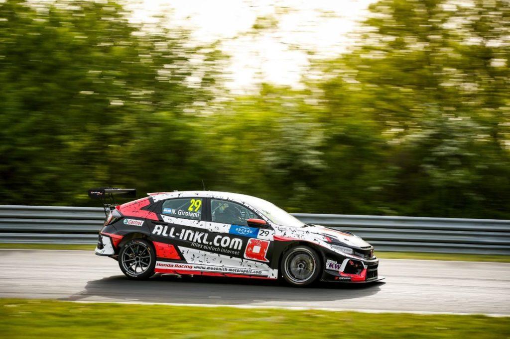 WTCR   Hungaroring: Néstor Girolami segna la sua prima pole position