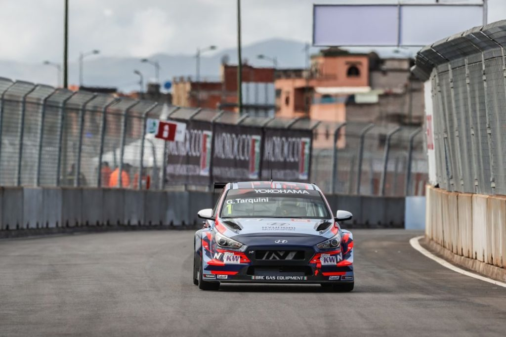 WTCR   Marrakech: Gabriele Tarquini vince gara-2 dopo l'uscita di Catsburg