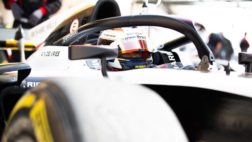 F2 | GP Monaco: vola de Vries, sua la pole position