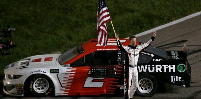 "<span class=""entry-title-primary"">NASCAR | Vittoria inaspettata per Keselowski in Kansas!</span> <span class=""entry-subtitle"">Gara movimentata con Harvick, Elliott e Bowman grandi protagonisti, ma Brad riemerge al momento giusto</span>"