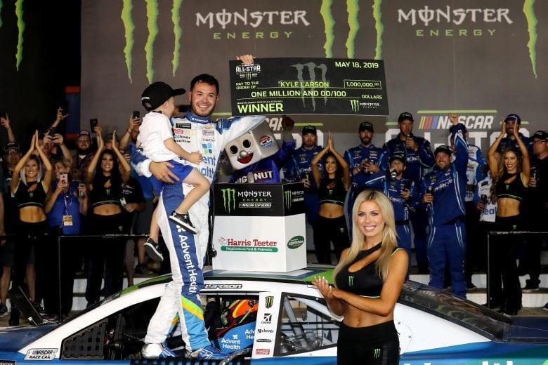 NASCAR   Larson ritorna alla vittoria alla All-Star Race! 1
