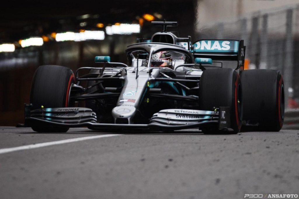F1 | GP Monaco, FP2: netto 1-2 Mercedes, Hamilton ancora al comando