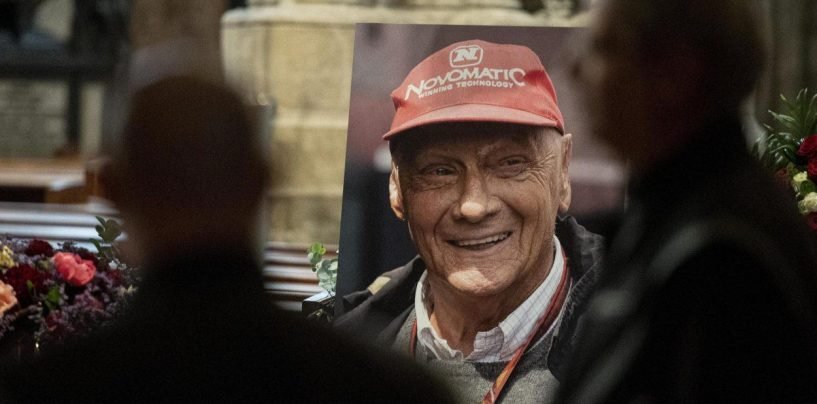 """<span class=""""entry-title-primary"""">F1   Celebrati a Vienna i funerali di Niki Lauda</span> <span class=""""entry-subtitle"""">Lewis Hamilton e Toto Wolff presenti per omaggiare il campione austriaco</span>"""
