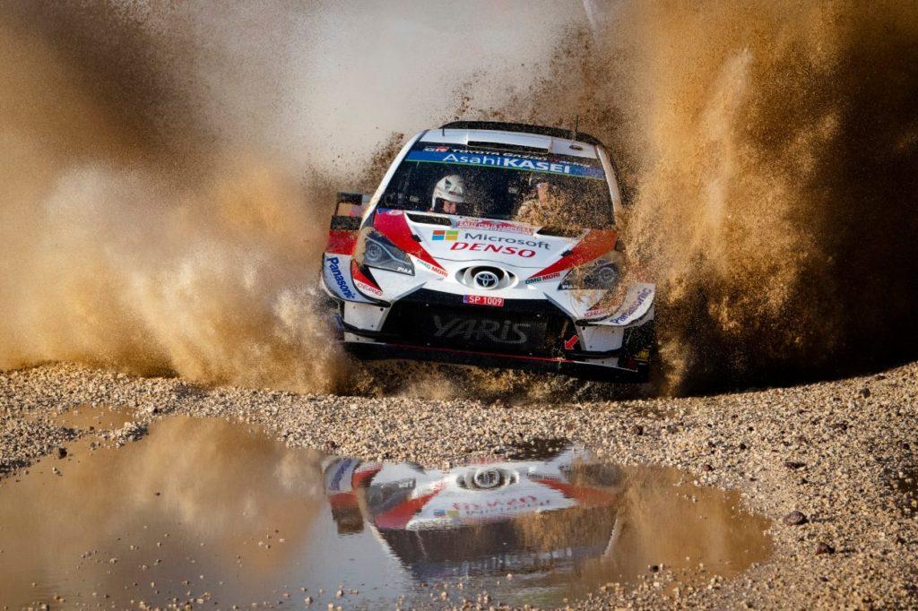 WRC   Sardegna: Latvala detta il passo, Ogier out