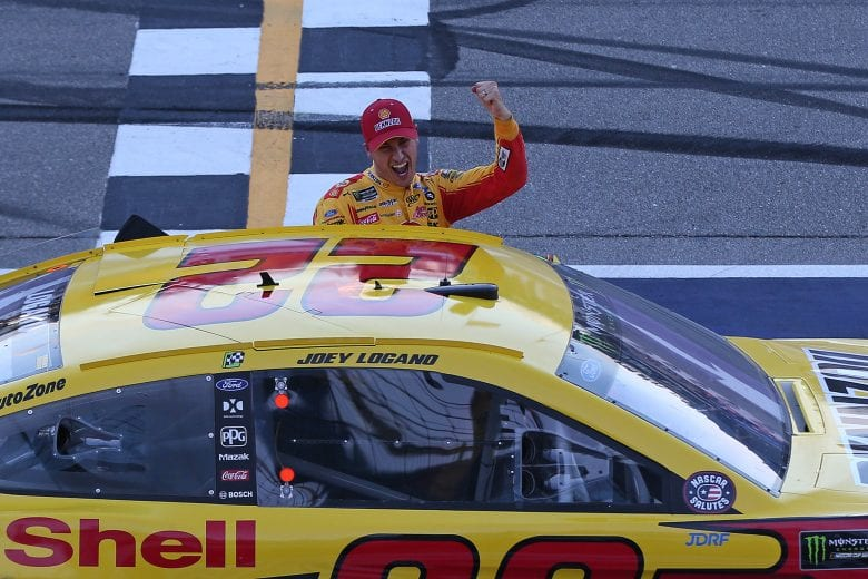 NASCAR | Un Logano insuperabile vince in Michigan!