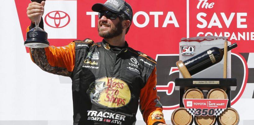 """<span class=""""entry-title-primary"""">NASCAR   Truex ancora una volta re di Sonoma</span> <span class=""""entry-subtitle"""">Cambia il layout ma non il vincitore. Martin batte Kyle Busch in una bellissima sfida finale</span>"""
