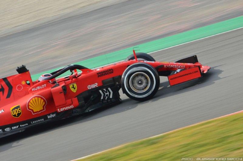 F1 | GP Austria: Leclerc davanti in FP2. A muro Verstappen e Bottas