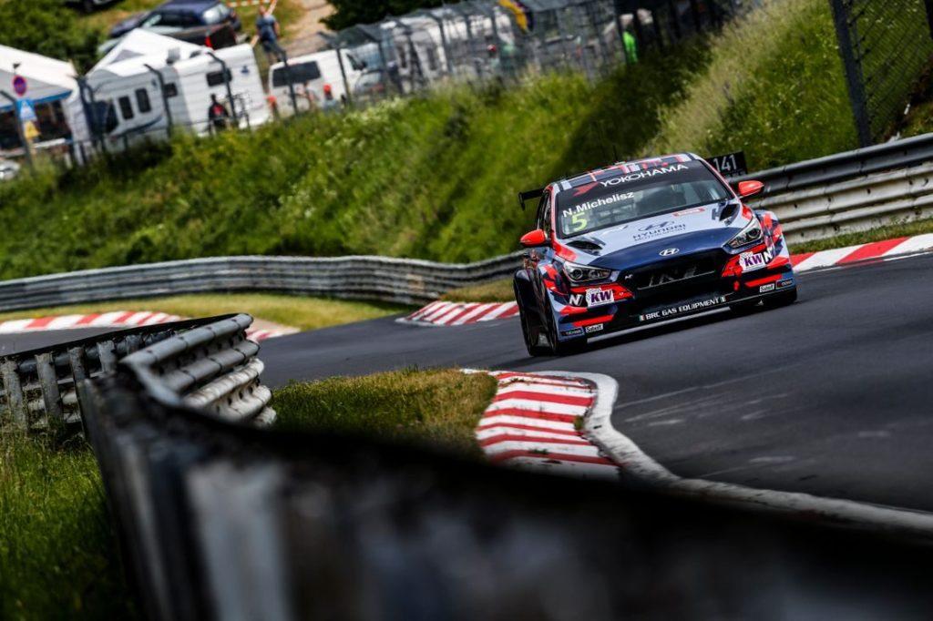 WTCR | Nürburgring: prima vittoria stagionale per Norbert Michelisz