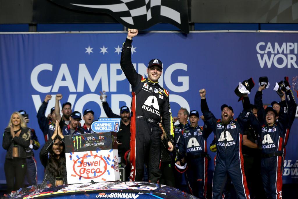 NASCAR   Alex Bowman finalmente vincitore a Chicago!