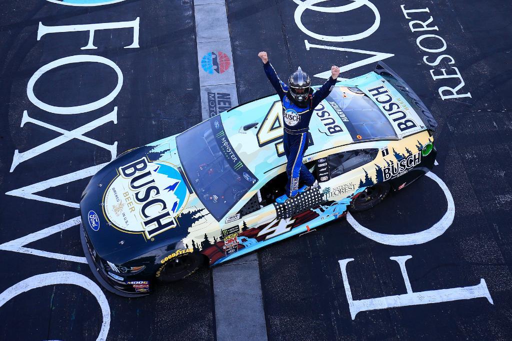 NASCAR   Harvick torna alla vittoria in New Hampshire