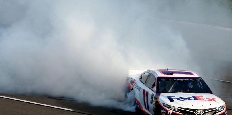 "<span class=""entry-title-primary"">NASCAR | Pocono: vittoria al risparmio per Denny Hamlin</span> <span class=""entry-subtitle"">Le caution al momento giusto regalano un finale di gara appassionante. Tripletta Joe Gibbs Racing</span>"