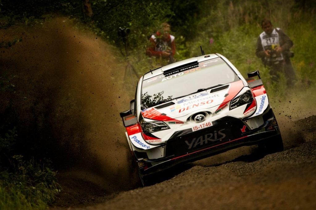 WRC | Finlandia: Latvala guida un gruppo di quattro vetture a fine tappa