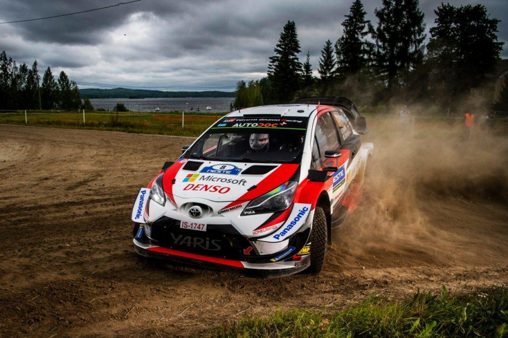 WRC | Finlandia: Tänak torna al comando, Meeke out
