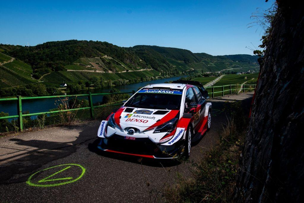 WRC | Germania: foratura per Neuville e Ogier, tripletta Toyota