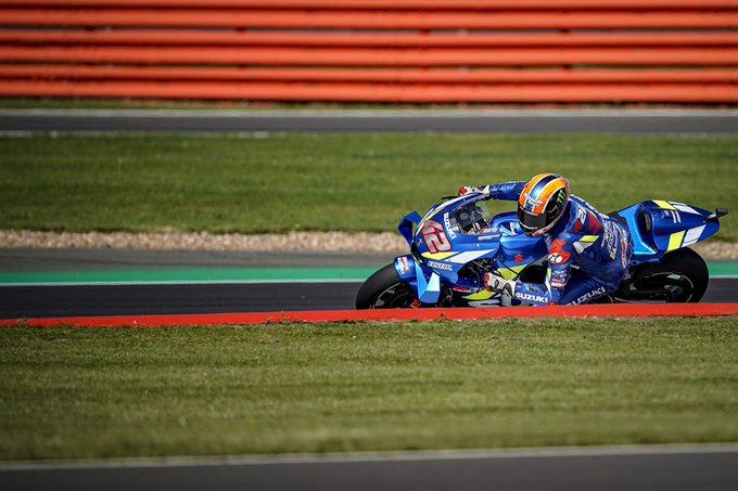 MotoGP | GP Gran Bretagna: arrivo in volata entusiasmante, Rins vince su Márquez