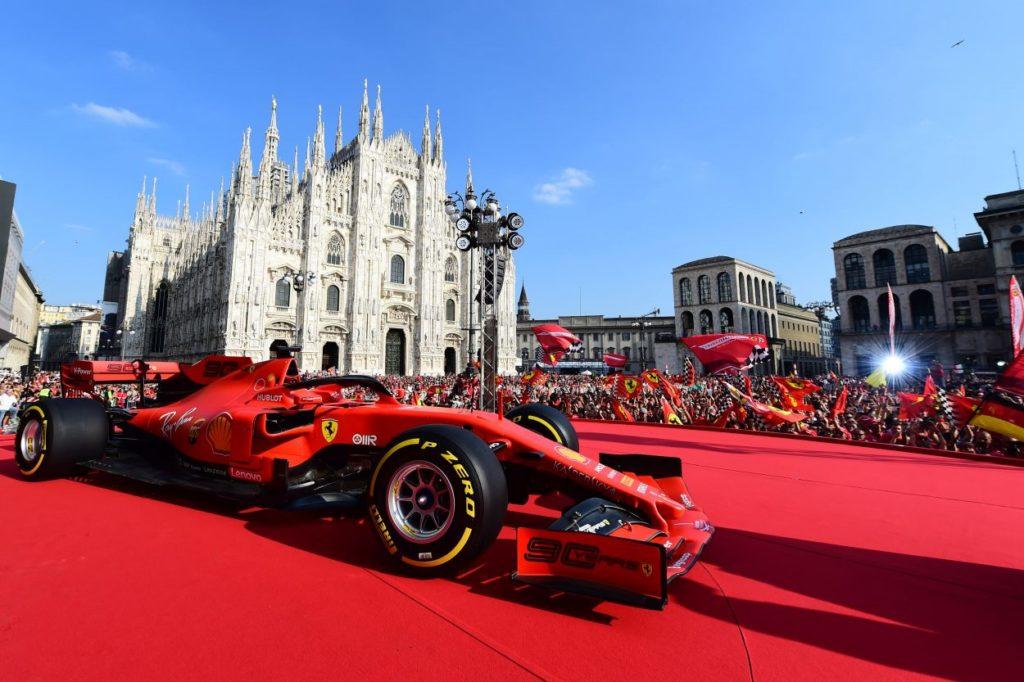 F1 | In migliaia per la festa Ferrari a Milano 6