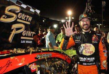 NASCAR | Las Vegas: Truex apre i playoff ancora una volta con una vittoria