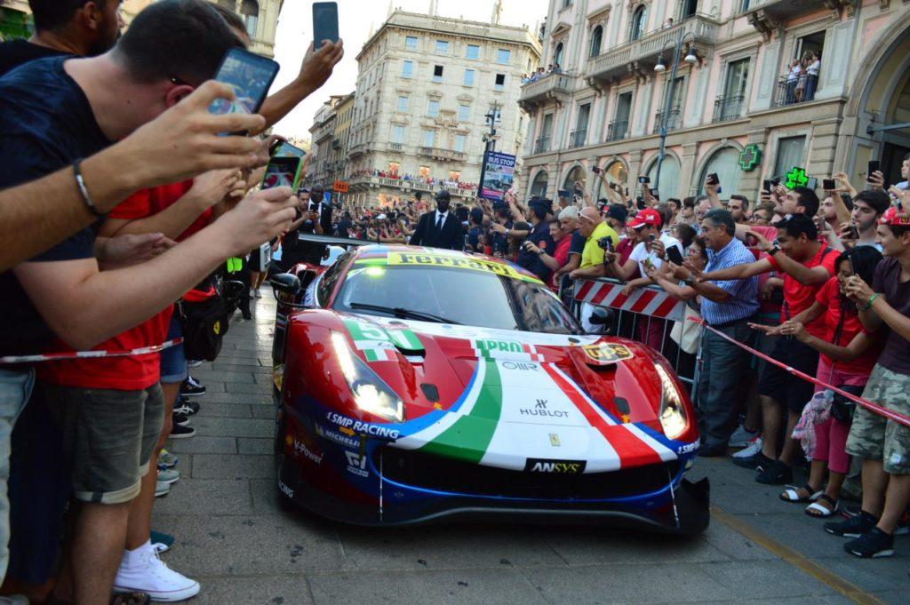 F1 | In migliaia per la festa Ferrari a Milano 5