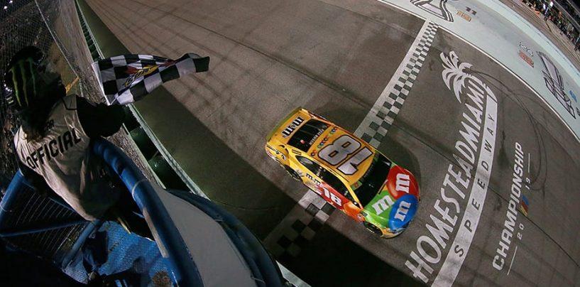 """<span class=""""entry-title-primary"""">NASCAR   Kyle Busch fa la gara perfetta e conquista il secondo titolo in carriera!</span> <span class=""""entry-subtitle"""">I crew chief di Truex e Hamlin sbagliano l'ultima sosta e a Kyle basta gestire il finale per bissare il 2015</span>"""