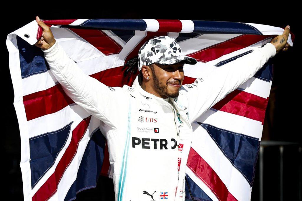 Lewis, verso quota sette