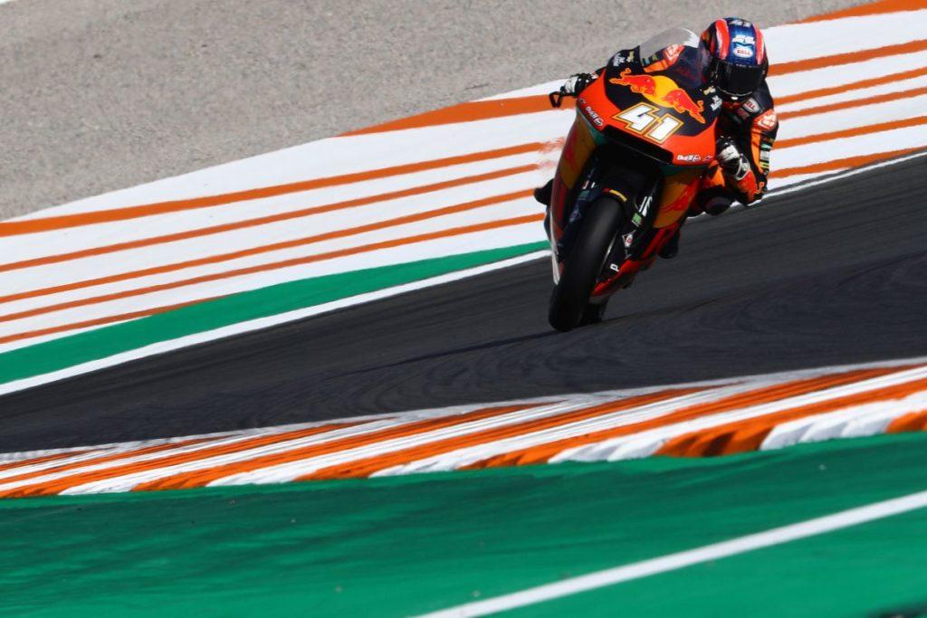 Moto2 | GP Comunità Valenciana: Brad Binder firma la quinta, Manzi sfiora il podio