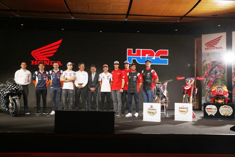 SBK | Presentato il nuovo team HRC, Leon Haslam correrà con la Honda ufficiale