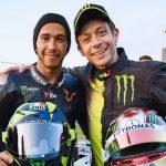 F1 | Hamilton - Valentino Rossi, le prime immagini dello scambio a Valencia 1