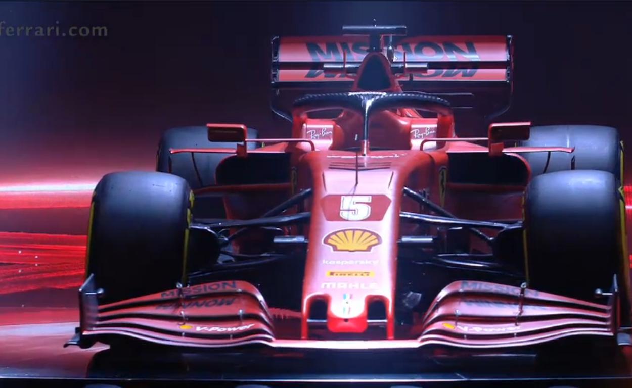 Formula 1: Hamilton prova un volante mobile nei test di Barcellona