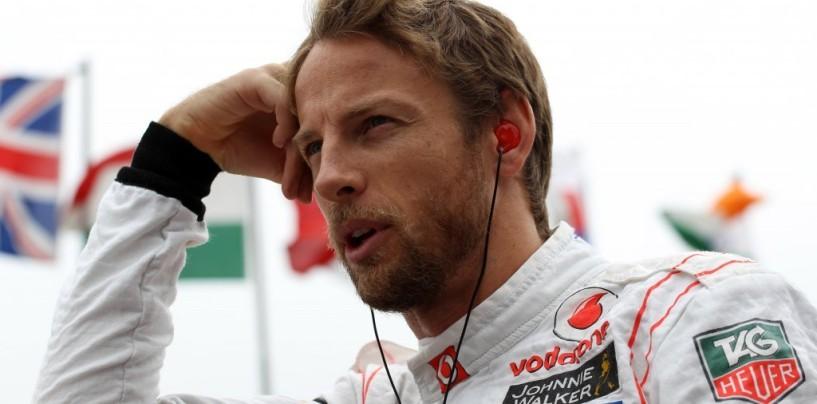 Jenson Button dice la sua sull'incidente tra Hamilton e Rosberg