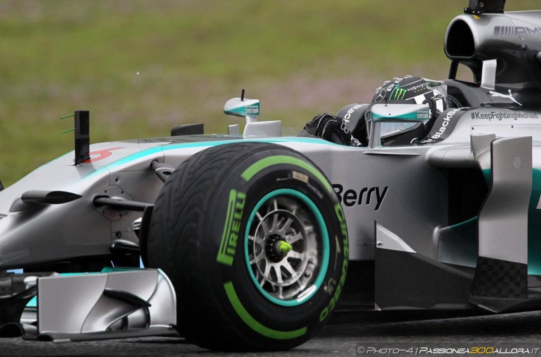 GP del Giappone, prove libere 1: le Mercedes al comando