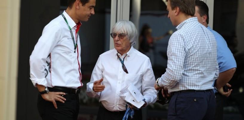 """Bernie Ecclestone: """"Facciamo qualcosa per questi motori, non sono per macchine da corsa"""""""