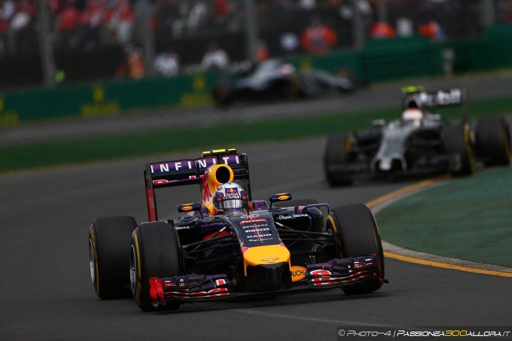 Gp della Cina, prove libere 3: Ricciardo davanti sul bagnato