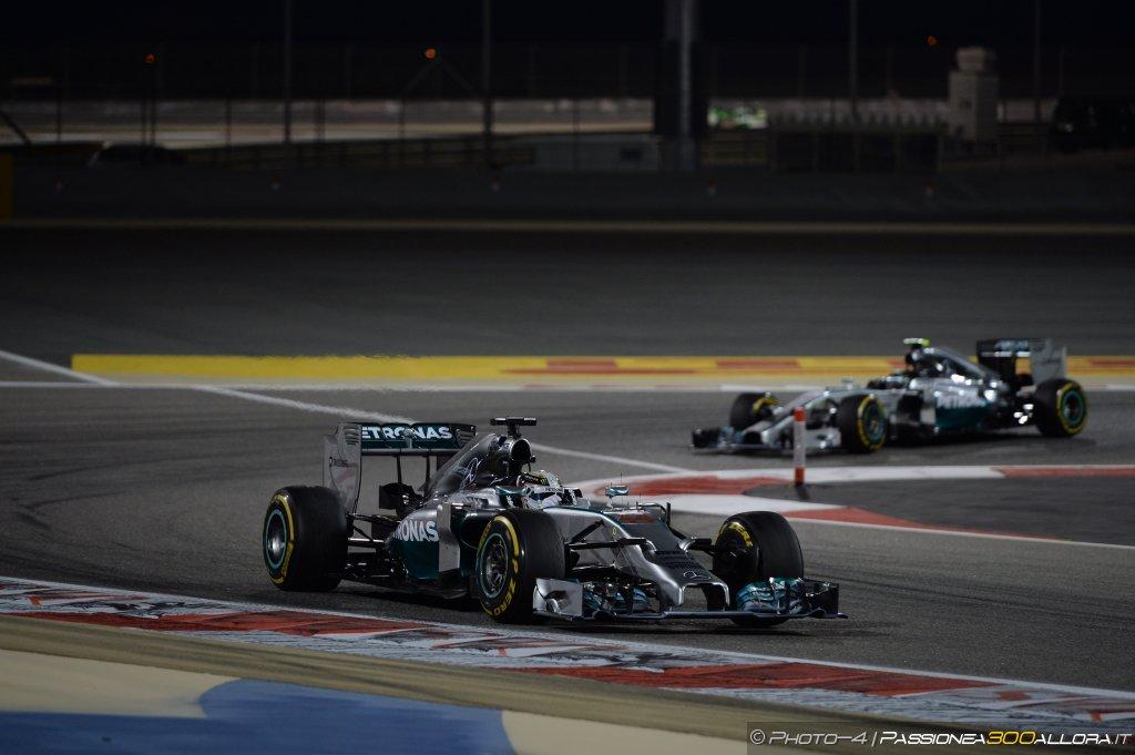Lewis, Nico e la Mercedes..il triangolo no, non l'avevano considerato.
