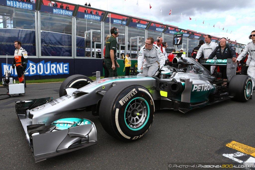 Rosberg ammette la sua debolezza nelle partenze