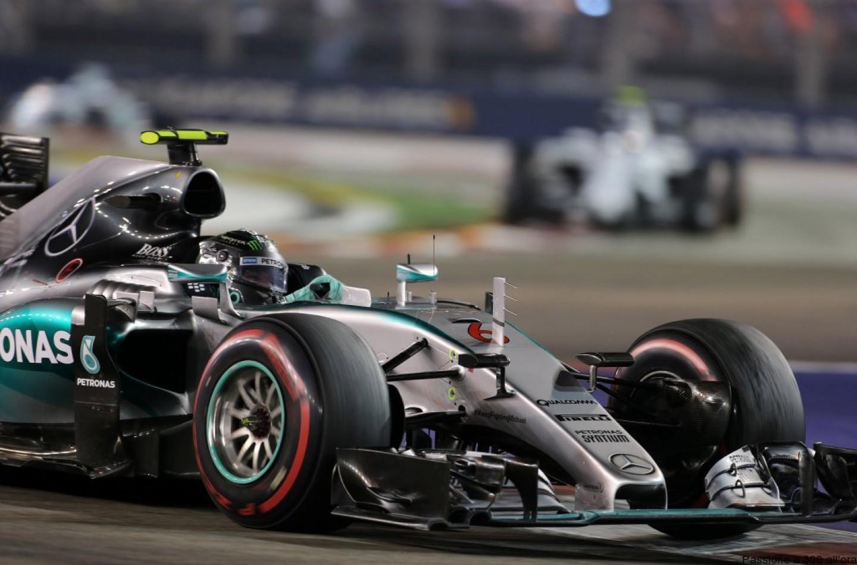 """Mercedes, Paddy Lowe: """"La W06 non è stata progettata per Singapore"""""""